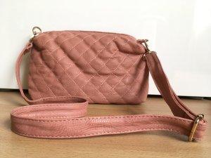sommerliche Handtasche in Lederoptik mit klassischem Steppmuster!