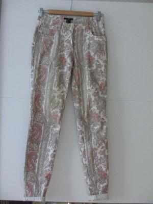 Sommerliche Hose 7/8 mit rosa-beigem Muster