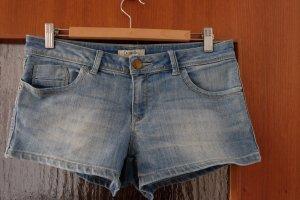 sommerliche Jeansshort