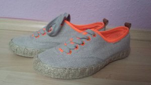 Sommerliche Juicy Couture Schuhe in Espadrille Optik