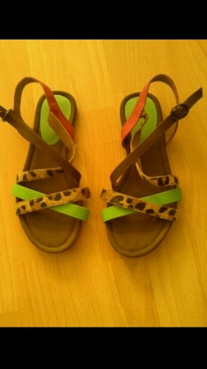 Sommerliche Leoparden Sandalen