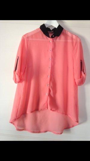 Sommerliche Neon Pinke Bluse mit schwarzem Kragen