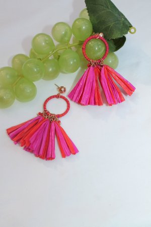 Earring red-neon pink