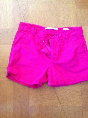 Sommerliche pinke Shorts