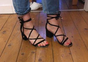 Sommerliche Sandaletten von MASSIMO DUTTI