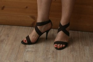 Via uno High-Heeled Sandals brown