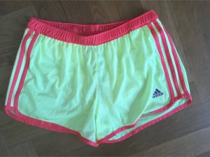 Sommerliche Sport Shorts hellgelb S 36
