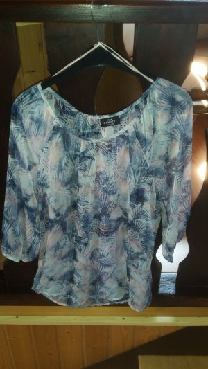 Sommerliche, transparente Bluse