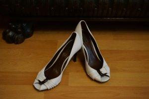 Sommerliche Zara Leder High-Heels