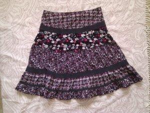 Sommerlicher Blümchenrock aus leichter Baumwolle