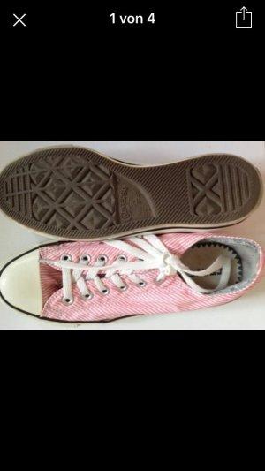 Sommerlicher Converse Schnürer rosa/weiß gestreift