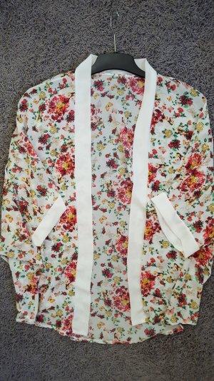 Sommerlicher heller Kimono