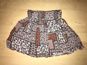 Sommerlicher Mini mit orientalischem Muster