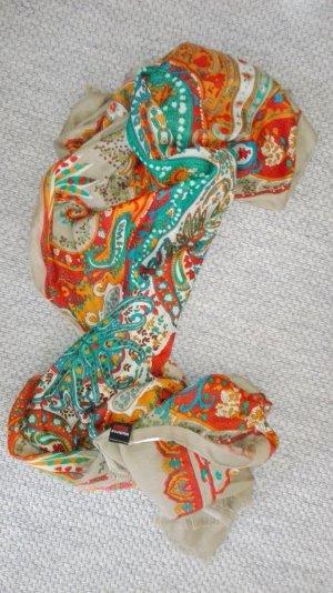 Sommerlicher Schal von Madonna