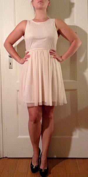 Sommerliches Ballerina Kleid von Zara