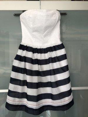 Sommerliches Bandeau-Kleid