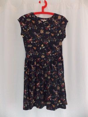 Sommerliches Blümchen-Kleid