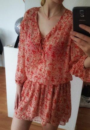 Sommerliches Blümchen-Kleid von Zara