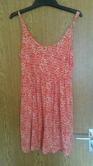 Sommerliches Blümchenkleid