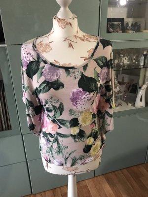 Sommerliches Blumen T-Shirt