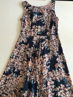 Sommerliches buntes Kleid in Größe S