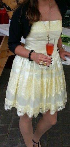 Sommerliches Cocktailkleid