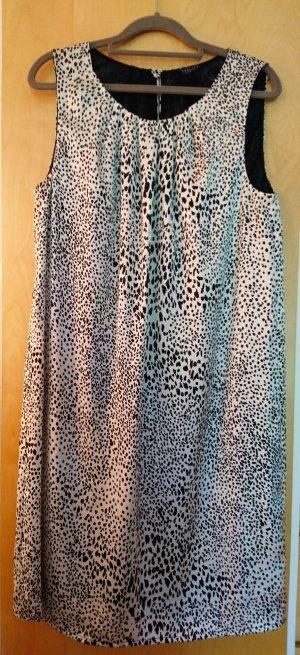 Sommerliches Hängerkleid im Tigerprint