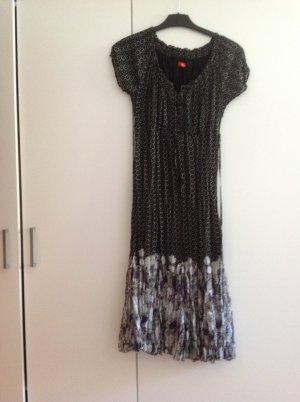 Sommerliches Kleid im Flamenco Look