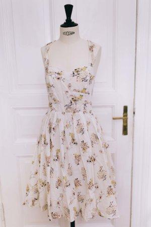 sommerliches Kleid mit Blumenmuster 50er