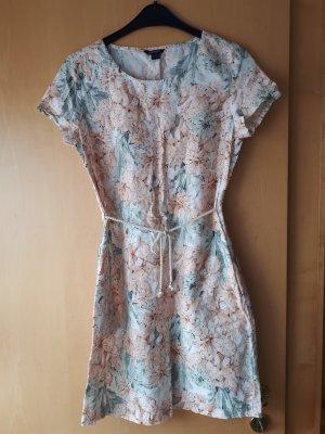 Sommerliches Leinen-Kleid