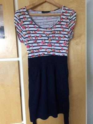 Sommerliches Minikleid