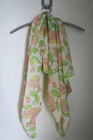 Sommerliches Tuch in frischen Farben