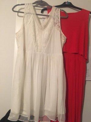 sommerliches weißes Kleid