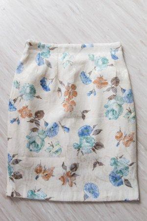 Sommerrock mit Blumenmotiv