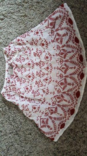 Sommerrock mit Stickereien