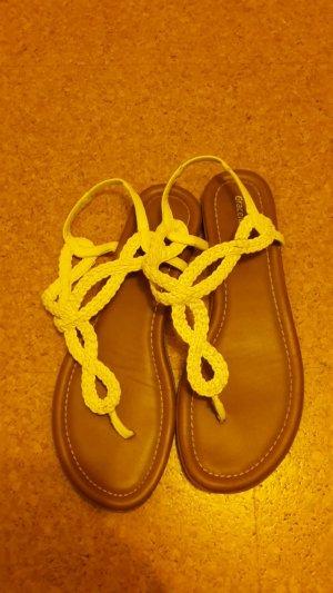 Sandalias con talón descubierto blanco