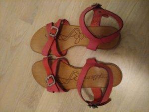 Sandales à lanière violet
