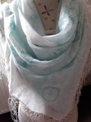 Écharpe d'été blanc-bleu clair
