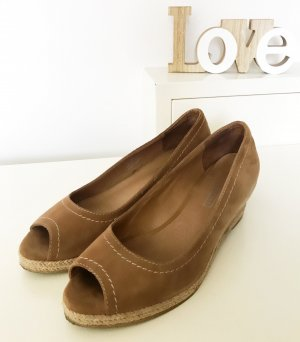 5th Avenue Wedge Pumps brown suede