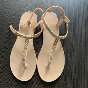 London Rebel Flip-Flop Sandals cream