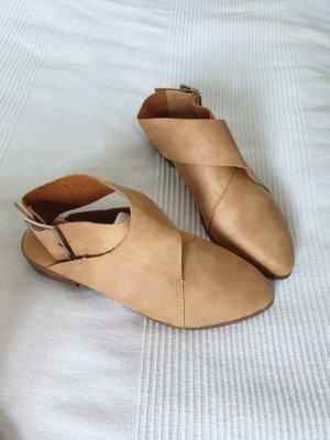 Sandales à lanière marron clair