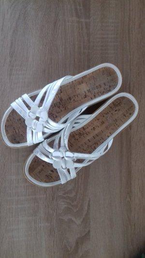 Sandalias con tacón blanco
