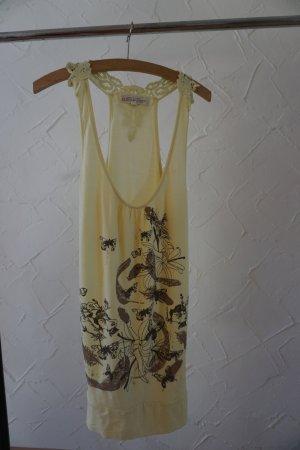 ♥ Sommershirt in gelb mit Spitze, Schmetterlingen, Federn und Sternchen ♥
