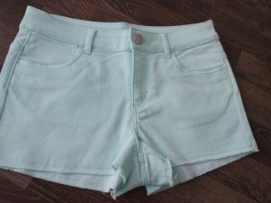 Sommershorts in baby-blue
