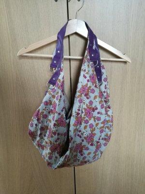 Sommertasche mit Blumenmuster