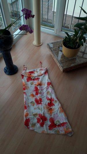 Somnerkleid mit Blumenmuster
