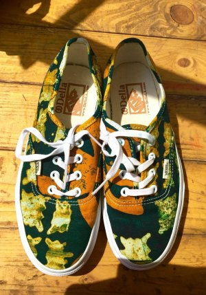 Sonderedition Della by Vans Low top kaki