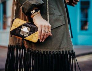 Sonia Rykiel Umhängetasche schwarz-orange Steppmuster Street-Fashion-Look