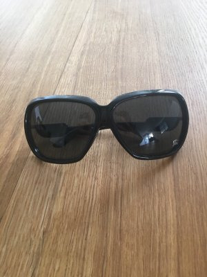 Burberry Oval Sunglasses black