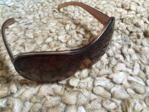 Glasses cognac-coloured